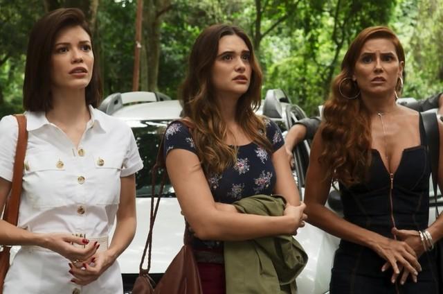 Kyra (Vitória Strada), Luna (Juliana Paiva) e Alexia (Deborah Secco) em 'Salve-se quem puder' (Foto: Globo)