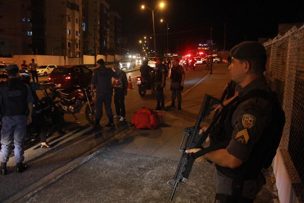 Операция была начата в пятницу вечером (10) в Манаусе - Фото: Рикардо Маркес / G1 AM
