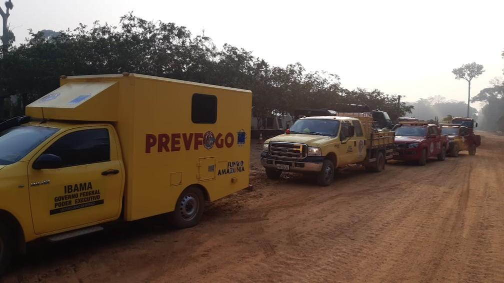 Combate de queimada é feito na reserva Jacundá, em RO — Foto: 17ª Brigada/Divulgação