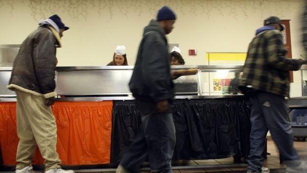 Milhões de empregos foram perdidos nos EUA, aumentando a desigualdade no país (Foto: GETTY IMAGES via BBC)