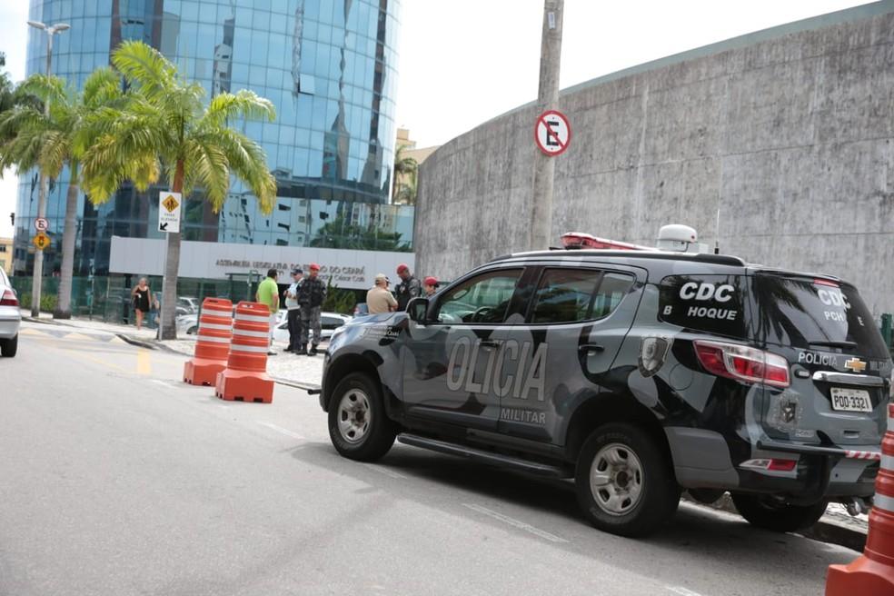 Sessão extraordinária que vota pacote de medidas contra ações criminosas teve reforço policial — Foto: José Leomar/SVM