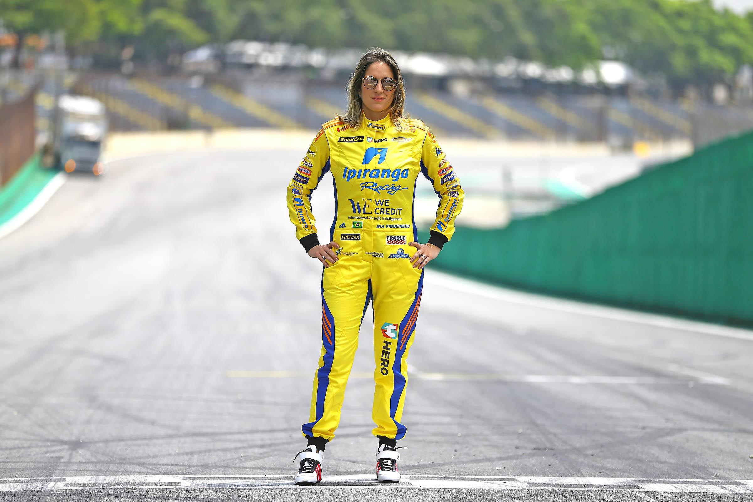 Bia Figueiredo, piloto da Stock Car e membro do Hall da Fama AutoEsporte (Foto: Divulgação)