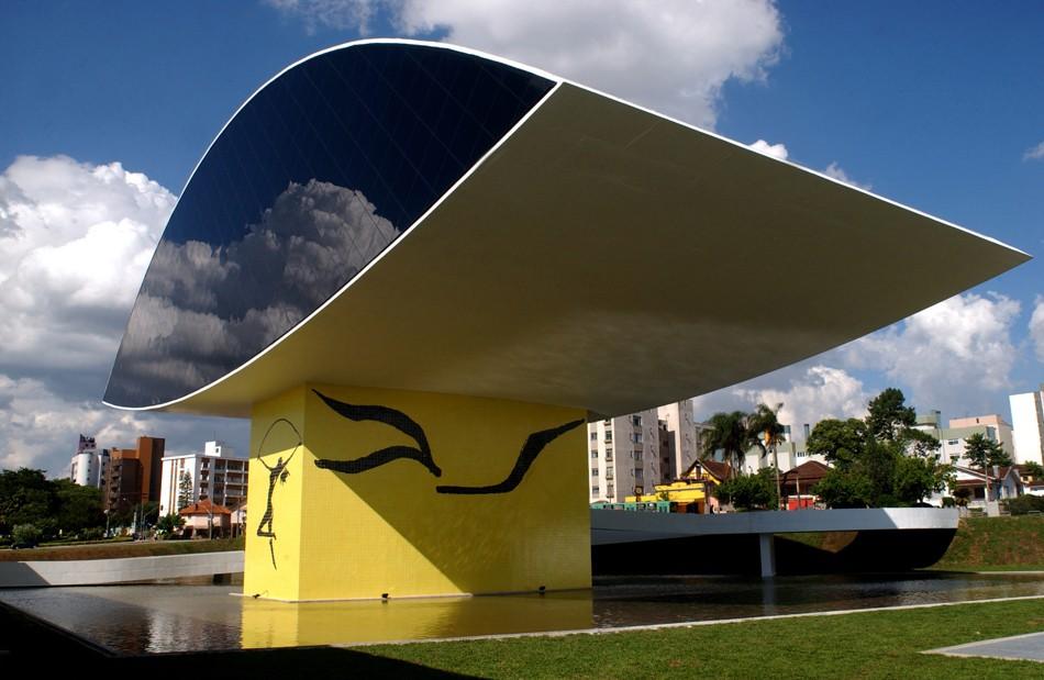 Museu Oscar Niemeyer oferece meia-entrada para visitantes que apresentarem cartão-transporte, durante a primavera - Notícias - Plantão Diário