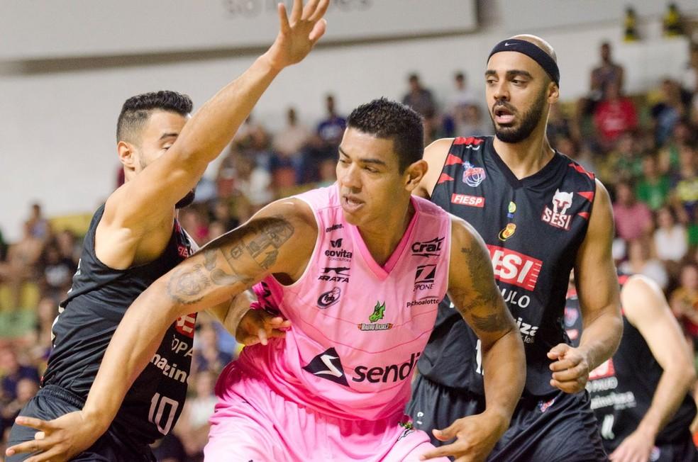 Franca teve a chance de vencer com uma virada no fim (Foto: Victor Lira / Sendi Bauru Basket)