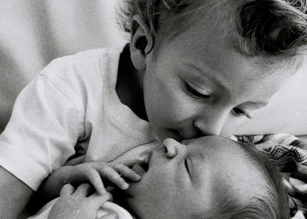 Anacan e Ariel, os filhos da top Candice Swanepoel (Foto: Reprodução Instagram)