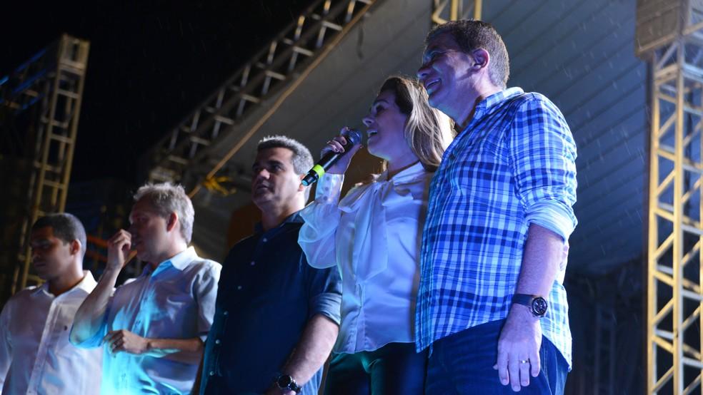Prefeito Carlos Amastha confirma renúncia durante Capital da Fé (Foto: Luciana Pires/Prefeitura de Palmas)