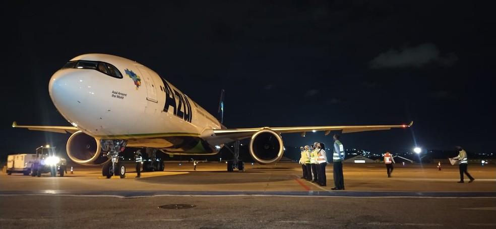 Avião da Azul pousou no Recife para buscar vacinas na Índia — Foto: Divulgação/Azul
