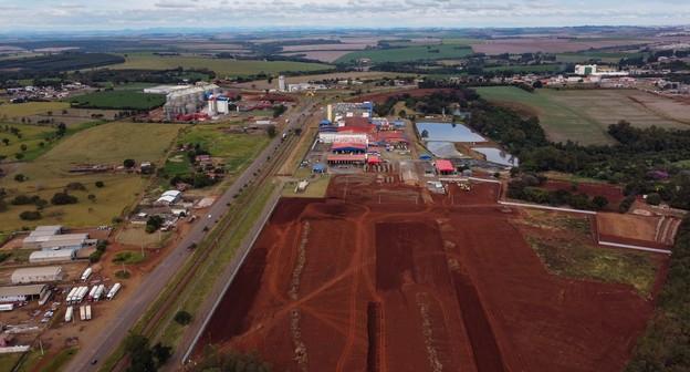 JBS investirá R$ 1,85 bilhão para aumentar produção de aves e processados no Brasil