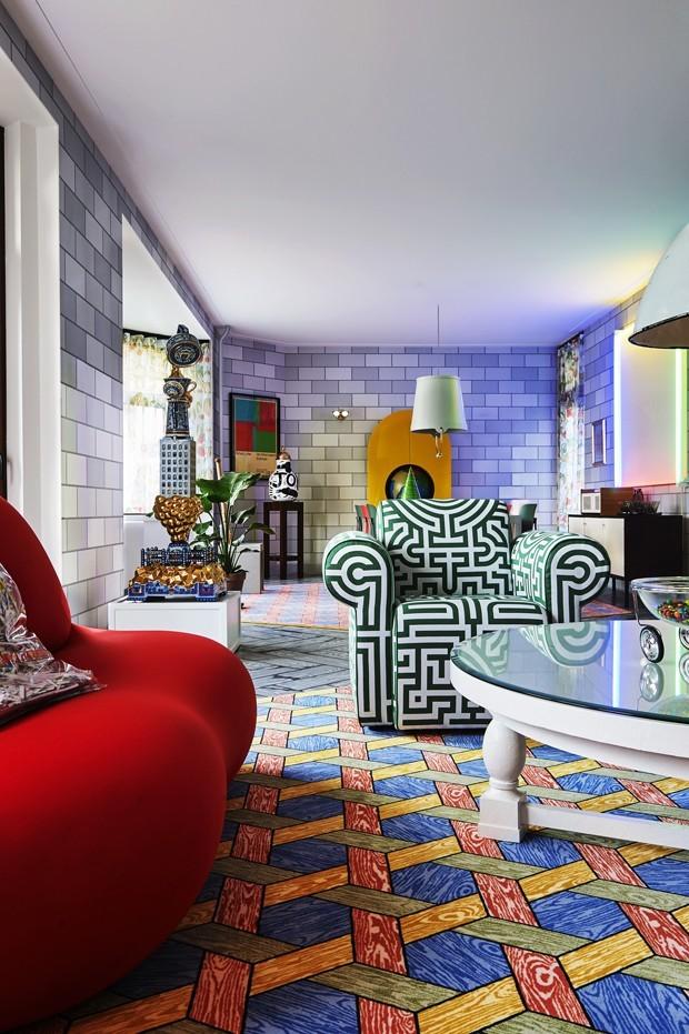 Décor do dia: sala de estar colorida e cheia de padronagens (Foto: reprodução)