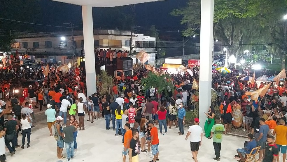 Comemoração pela vitória de Maira de Jaime. — Foto: Foto: Rodrigo Monteiro/ Inter TV