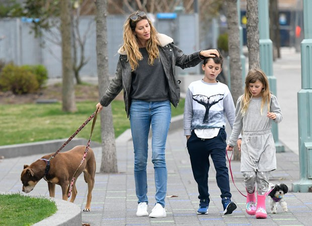 Gisele Bündchen e filhos (Foto: The Grosby Group)