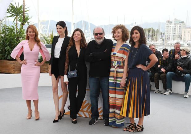 Brasileiros se reunem pra photocall de O Grande Circo Místico, em Cannes (Foto: Antonio Barros)