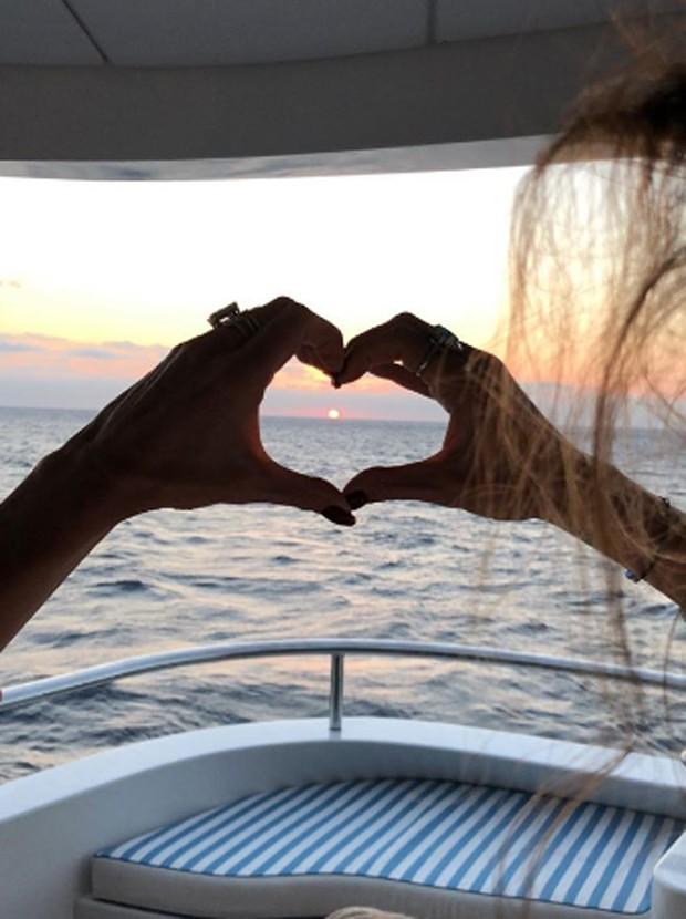 Luciana Gimenez curte passeio de barco em Ibiza (Foto: Reprodução/Instagram)