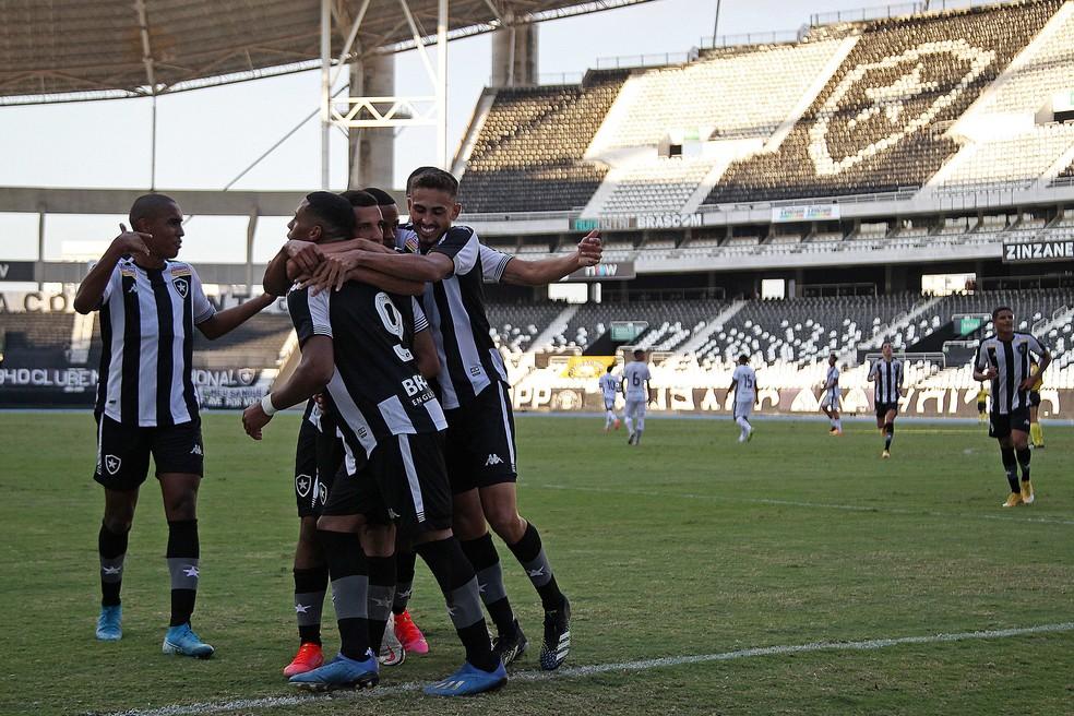 Botafogo estreia no Carioca sub-20 neste sábado, em clássico contra o Flamengo — Foto: Vitor Silva/BFR