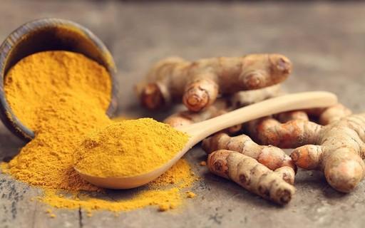 Cúrcuma: descubra os benefícios da especiaria e aprenda receitas