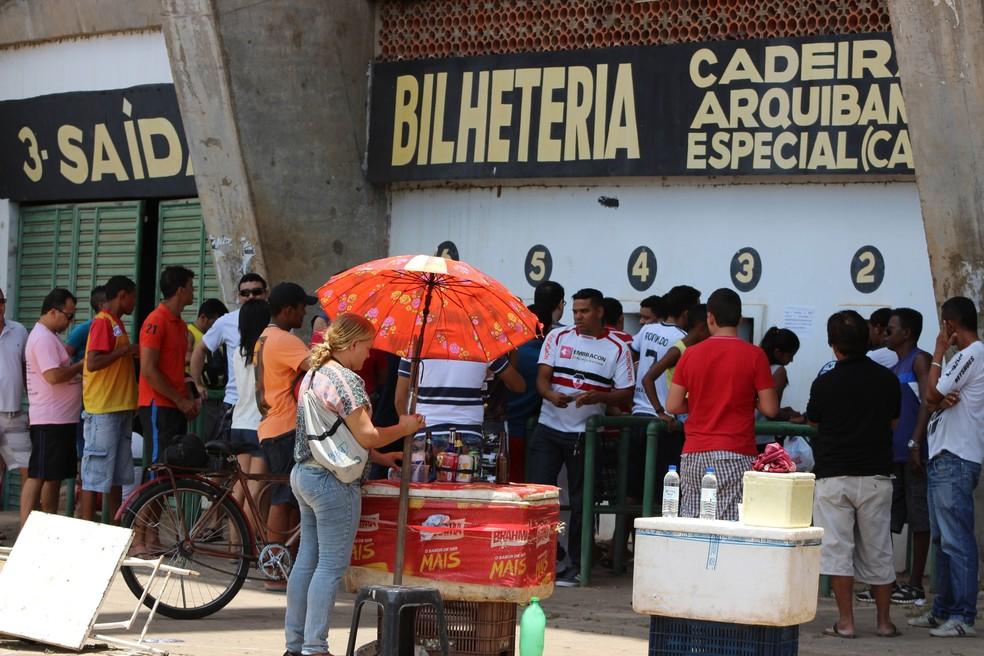 Ingressos da final da Copa Piauí serão vendidos de forma promocianal no Albertão (Foto: Renan Morais)