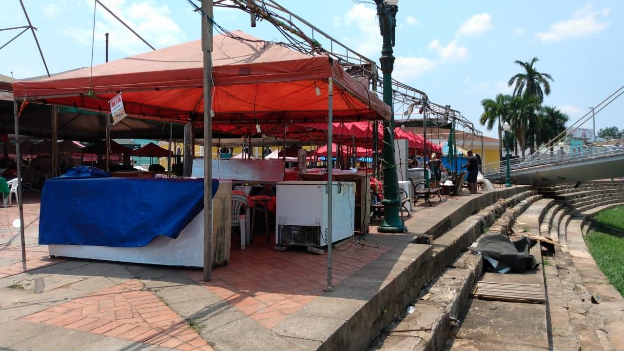 Após vendaval, feirantes da Economia Solidária se organizam para voltar a funcionar em Rio Branco