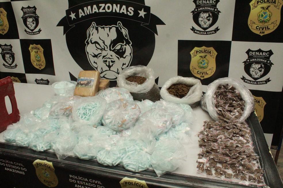 Entorpecentes foram encontrados na casa do suspeito  — Foto: Eliana Nascimento/G1 AM