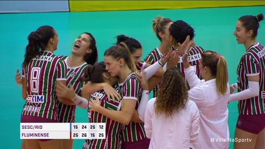 Em noite impecável, Fluminense encerra invencibilidade do Sesc-Rio e cola no topo da Superliga