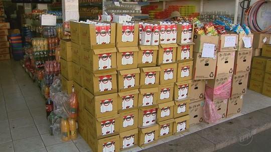Carga de suco de R$ 300 mil desviada de transportadora é apreendida em rede de lojas em Ribeirão Preto