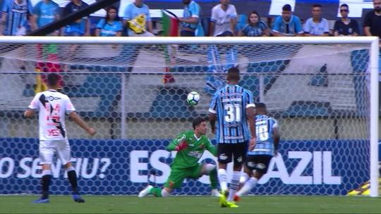 """Matheus Henrique vibra com gol """"imortal"""" e rebate frango de Martín: """"Felicidade minha"""""""