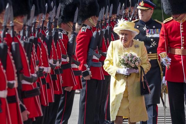 La reina Isabel II en la inspección de su guardaespaldas, foto de junio de 2019 (Imagen: Getty Images)