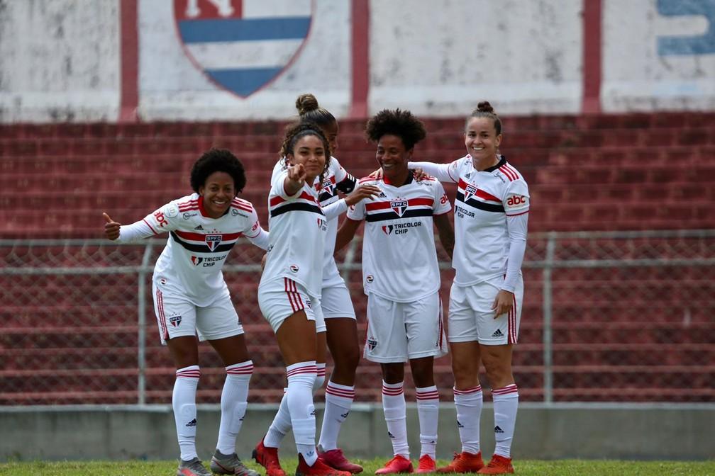 São Paulo goleou o Nacional e entrou no G-4 da competição — Foto: Gabriela Montesano/saopaulofc