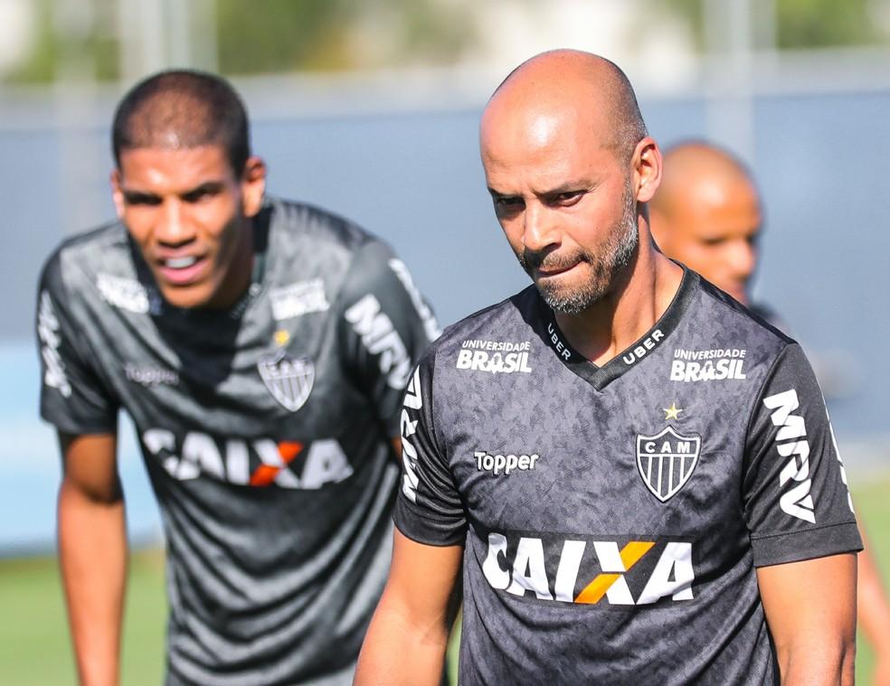 Assim como Marques, Léo Silva fará a transição de atleta para uma função fora das quatro linhas — Foto: Bruno Cantini/ Atlético-MG