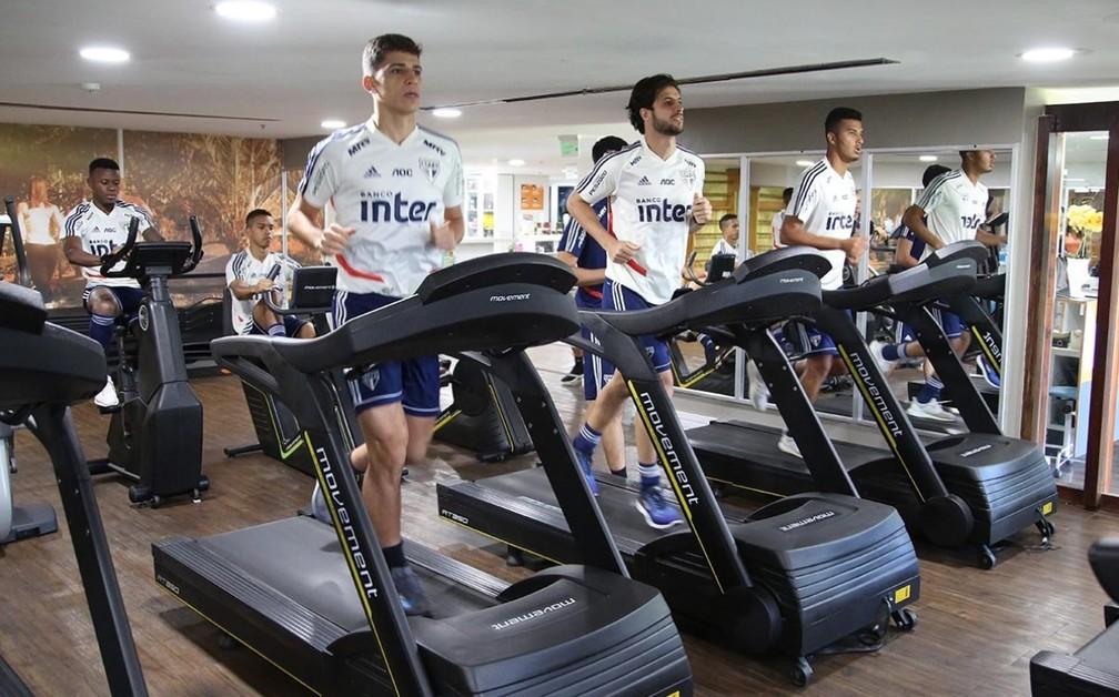 Jogadores do São Paulo treinam no hotel em Salvador — Foto: Reprodução / twitter