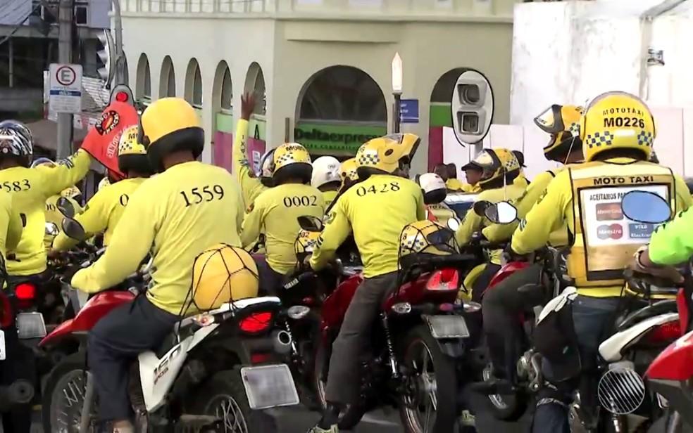 Capital tem 1,2 mil mototaxistas regulamentados. — Foto: Reprodução/TV Bahia