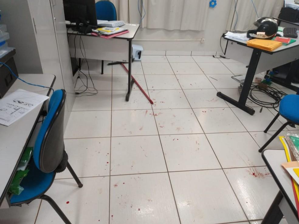 Professor invadiu escola, tentou matar diretora a facadas e foi preso em Rondonópolis — Foto: Polícia Militar de Mato Grosso/Assessoria