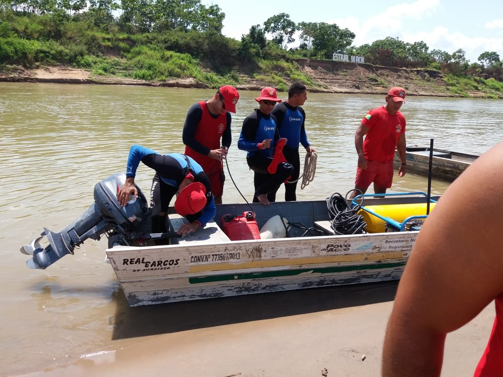 Após dois dias de buscas, corpo de homem que sumiu após ser atingido por moto aquática é achado no interior do Acre  - Radio Evangelho Gospel