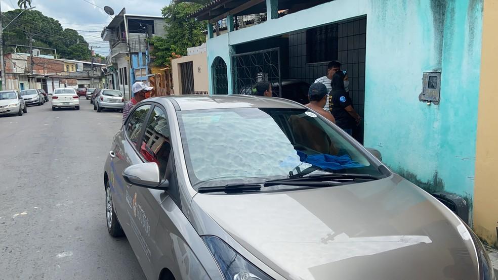 Conselho Tutelar fez o resgate da criança que foi levada para delegacia onde caso foi registrado. — Foto: Patrick Marques/G1 AM