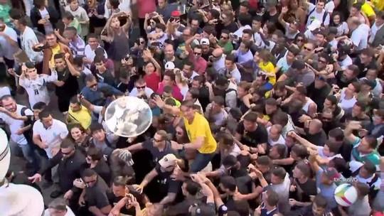 VÍDEO mostra suspeito tentando esfaquear Bolsonaro duas vezes antes de ataque