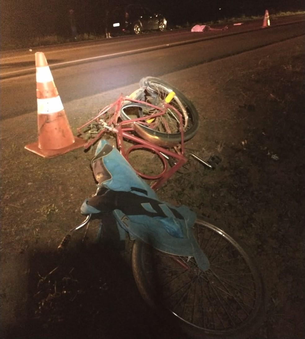 Ciclista morre atropelado na BR-251 no DF  — Foto: CBMDF/Divulgação