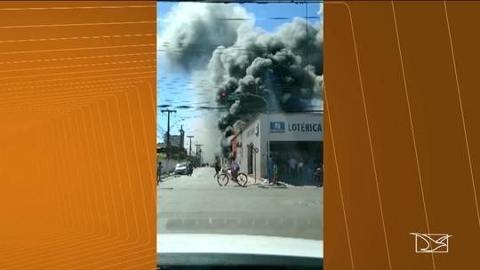 Incêndio atinge loja no centro de Bacabal