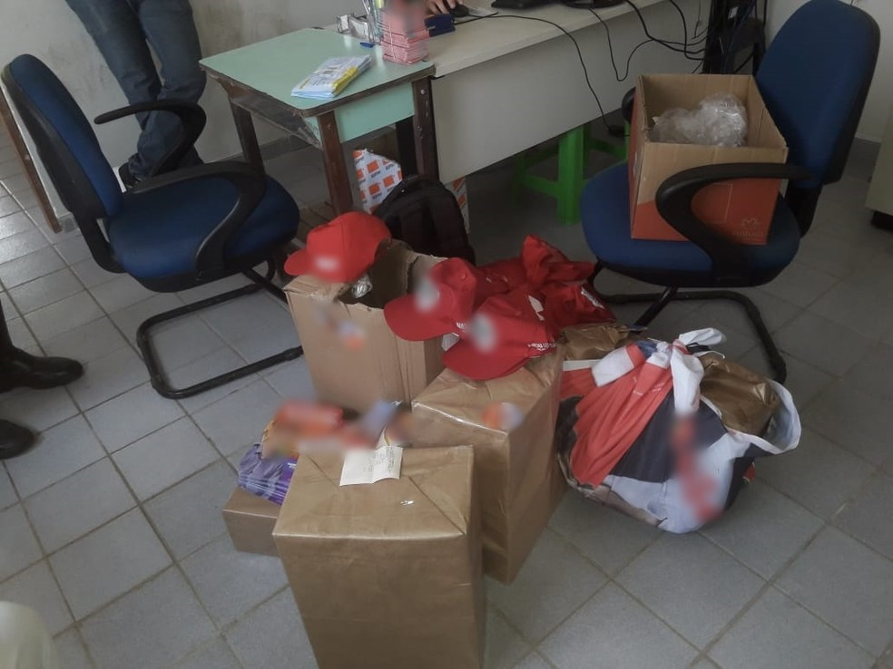 Material e dinheiro foram encontrados nesta quinta-feira (5) em Gameleira — Foto: Divulgação/Rocam