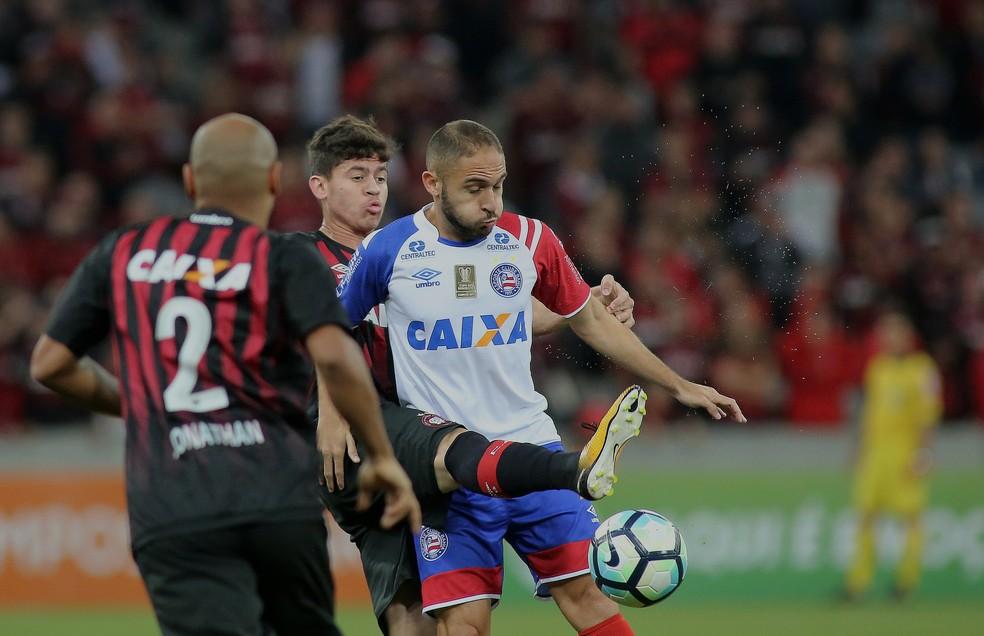 Atlético-PR venceu o Bahia na Arena da Baixada (Foto: Giuliano Gomes/Agência PR Press)