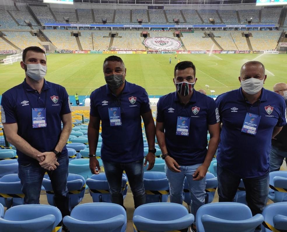 Roger com Roberto Ribas, Jussan Anjolin e James Freitas no Maracanã — Foto: Reprodução/Twitter Fluminense