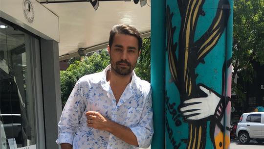 Ricardo Pereira fala sobre três filhos e cogita mais: 'Quase uma equipe de futebol'