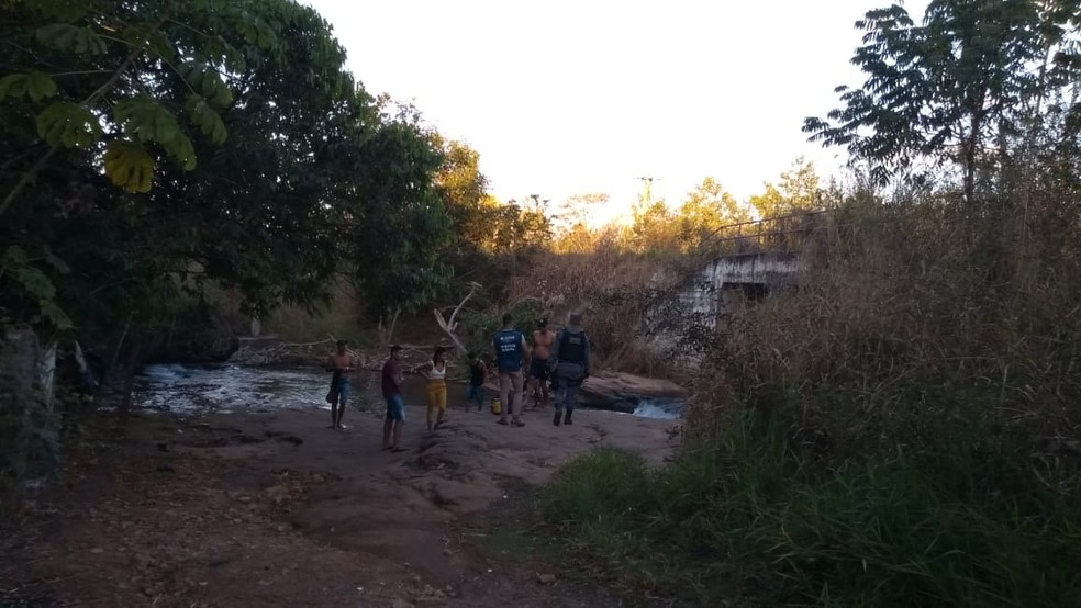PM flagra banhistas acampados em cachoeiras e pontos turísticos de MT mesmo com pico de Covid-19 — Foto: Polícia Militar de Mato Grosso/Assessoria