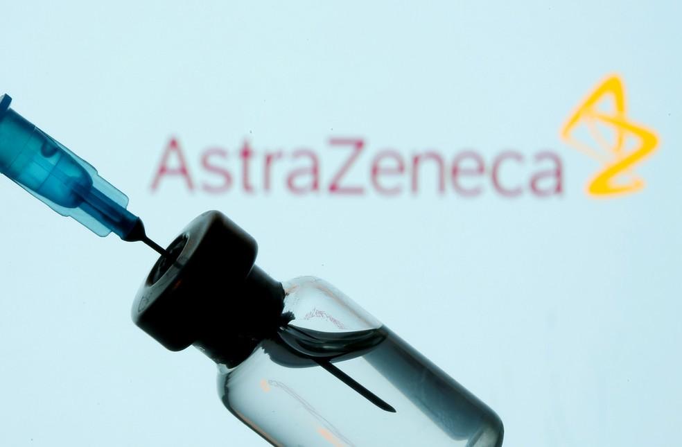 Ampola da vacina da AstraZeneca em foto ilustrativa feita em 11 de janeiro de 2021 — Foto: Ilustração/Dado Ruvic/Reuters/Arquivo
