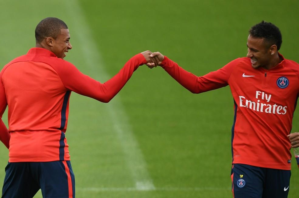 Neymar e Mbappé: a dupla que custará ao PSG mais de 400 milhões de euros (Foto: AFP)