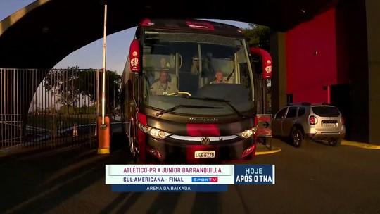 Atlético-PR deixa a concentração rumo à Arena da Baixada para final da Sul-Americana
