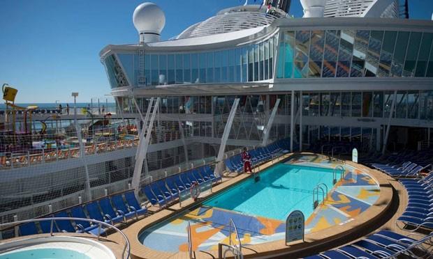 O Symphony of the Seas, novo cruzeiro da Royal Caribbean, é o maior navio do mundo (Foto: AFP)
