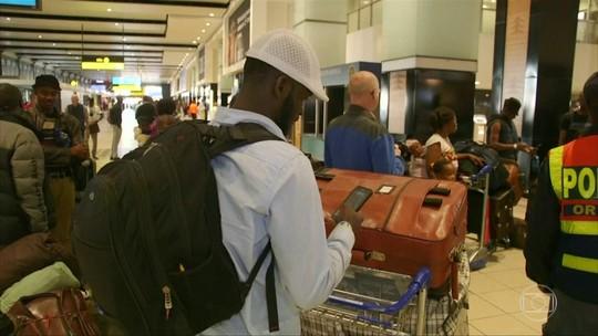 Centenas de nigerianos deixam a África do Sul, depois de ataques xenófobos no país