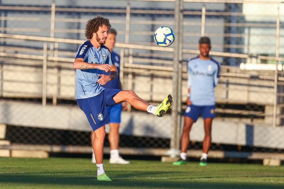 Galhardo será o titular contra o Atlético-MG, no domingo — Foto: Lucas Uebel/Grêmio