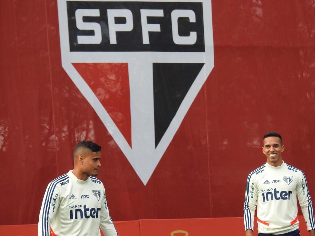 Everton entrou durante o jogo contra o Botafogo e treinou com os reservas do São Paulo — Foto: Marcelo Hazan