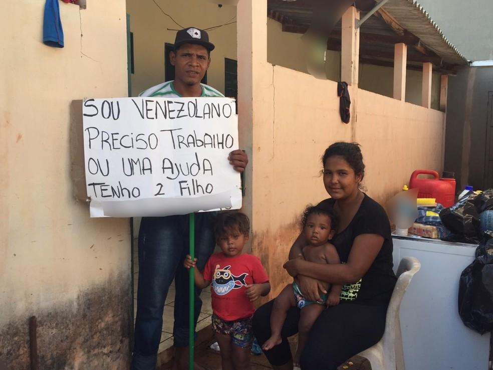 Família conseguiu uma pequena casa para recomeçara vida em Campo Grande. — Foto: Flávio Dias