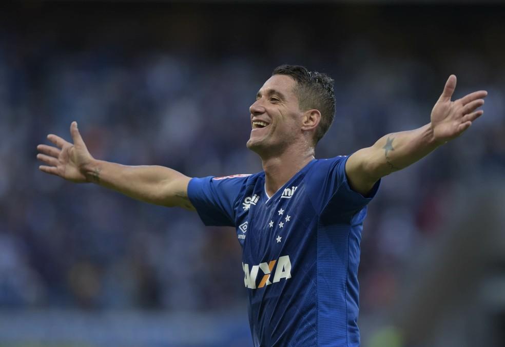 9c523e09146ad ... Thiago Neves aposta em trabalho coletivo para o Cruzeiro ficar com o  título — Foto